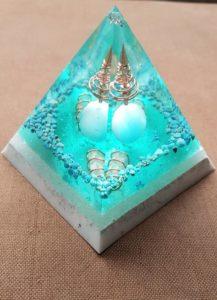 XL orgonite piramide maken @ Praktijk Best Spirits